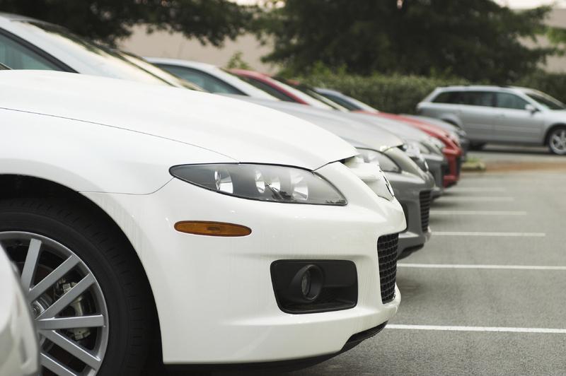 ParkandFly-Auto-Fahrzeuge-Parkplatz